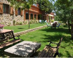 Hostal Almanzor,Navarredonda de Gredos (Ávila)