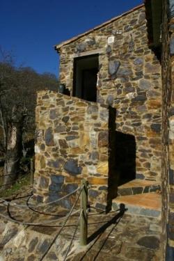 Refugio Bonales,Arroyomolinos de leon (Huelva)