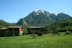 Casas de Aldea Valle de Bueida,Barro (Asturias)