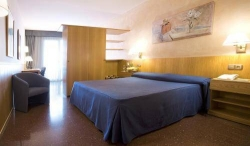 Hotel Aparthotel Atenea Calabria,Barcelona (Barcelona)