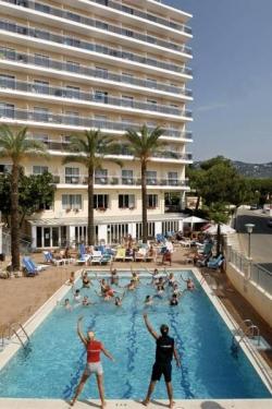 hotel serhs hotel oasis park en calella infohostal. Black Bedroom Furniture Sets. Home Design Ideas