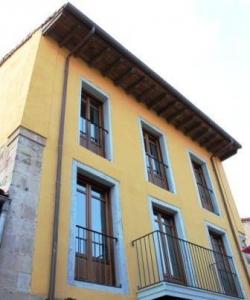 Apartamentos Rurales La Villa de Piedra,Cartes (Cantabria)