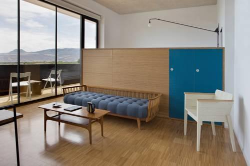 Hotel Bodega Finca De Los Arandinos In Entrena Infohostal