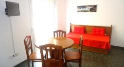Apartamentos Saint Trop,Lloret de Mar (Girona)