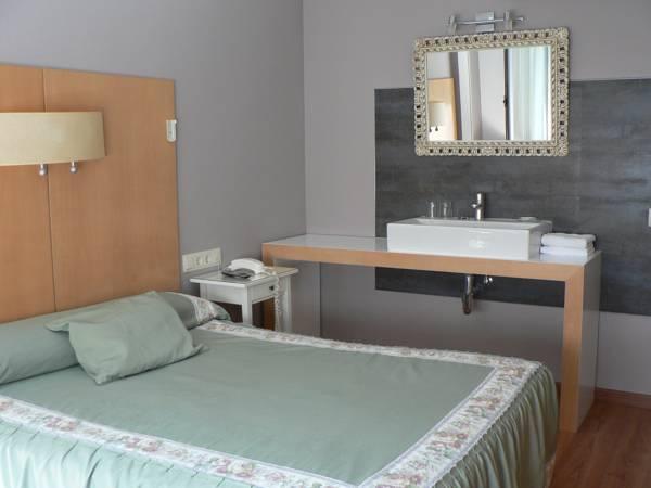 Hotel residencia isasa en logro o infohostal for Residencia canina la rioja