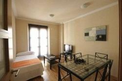 Apartamentos KM1 Tirso De Molina,Madrid (Madrid)