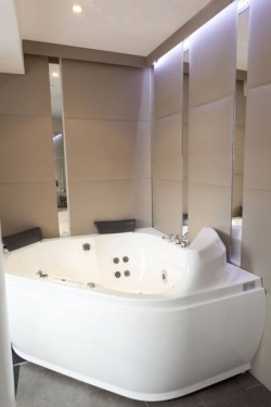 ApartoSuites Satellite by Abalu Hotels,Madrid (Madrid)