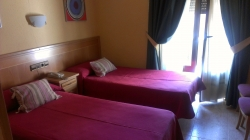Hostal Cruz Sol,Madrid (Madrid)