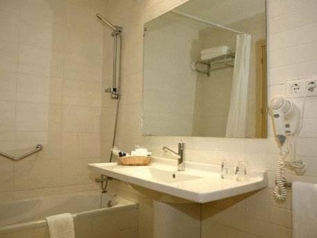 gran hotel del coto en matalasca as infohostal. Black Bedroom Furniture Sets. Home Design Ideas