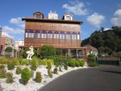 Hotel Castillo de Gauzón,Salinas (Asturias)