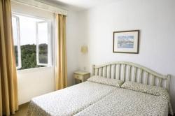 Apartamento los naranjos en sant llu s infohostal - Apartamentos pueblo menorquin ...