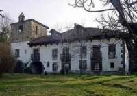 Palacio de Cort�s de Cangas de On�s