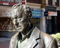 Escultura de Woody Allen