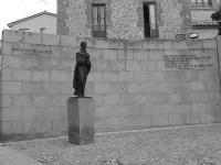 Estatua de San Juan de la Cruz