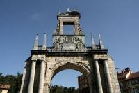 Arco de Fern�n Gonz�lez