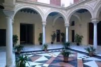 Palacio de Santa Cruz o de Valdivieso