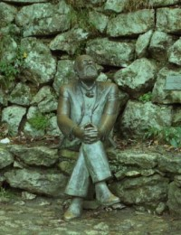 Estatua de Antonio Gaudí
