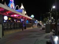 Restaurantes y bares de copas en el Paseo de las Beaches