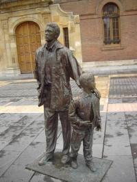 Estatua del Padre e Hijo