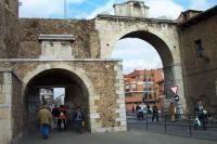 Puerta Castillo: