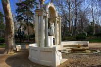 Monumento a los Hermanos Serafín y Joaquín Álvarez Quintero