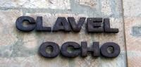 Clavel Ocho
