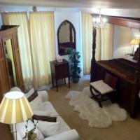 Hostal Cromwells Hotel