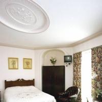 Hostal Sandford House Hotel