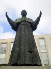 Monumento Pio XII