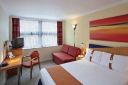 Hotel Express By Holiday Inn Glasgow City- Riverside