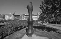 Monumento Unidad triple y liviana