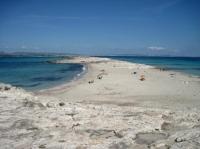 Alojamientos en formentera cerca de playa llevant infohostal for Alojamiento formentera