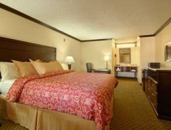 Hostal Ramada Limited Canoga Park/Warner Center