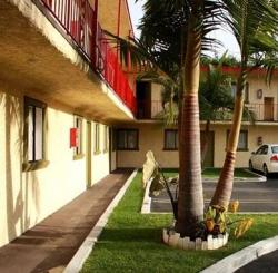 Paradise Inn and Suites,Los Angeles (Biobio)