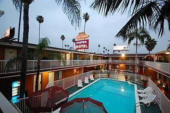 hotel saharan motor hotel en west hollywood infohostal