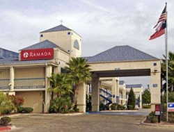 Hotel Ramada San Antonio Sea World Area